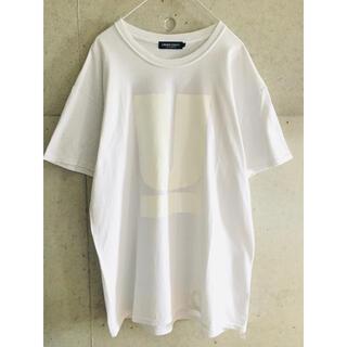 UNDERCOVER - 【★名作★限定品★希少★メンズL】アンダーカバー 白 × 白 U ロゴ Tシャツ