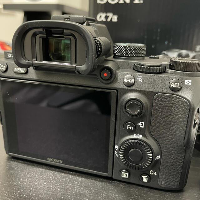 SONY(ソニー)のu様専用【美品】sonya7iii ボディ 64GBSDカード付き スマホ/家電/カメラのカメラ(ミラーレス一眼)の商品写真