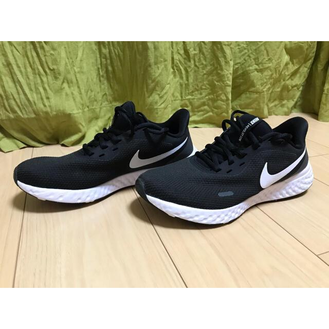 NIKE(ナイキ)のNIKE スニーカー レボリューション レディースの靴/シューズ(スニーカー)の商品写真