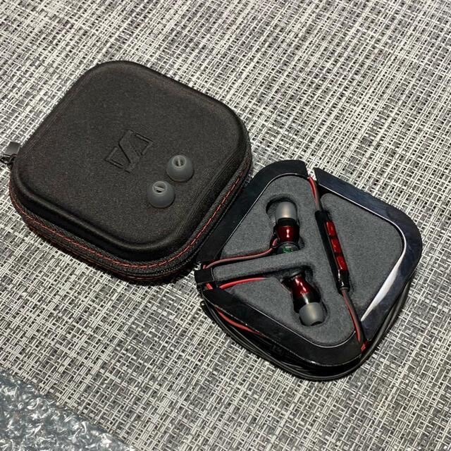 SENNHEISER(ゼンハイザー)のSENNHEISERカナル型イヤホンM2-IEi-RED【iOS版】ケース付き スマホ/家電/カメラのオーディオ機器(ヘッドフォン/イヤフォン)の商品写真