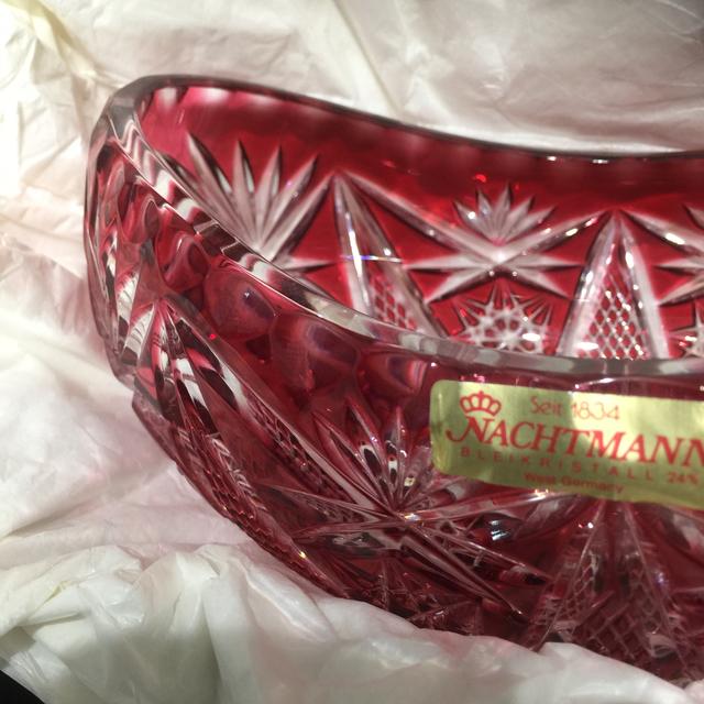Nachtmann(ナハトマン)のナハトマン フラワーベース 赤色被切子 インテリア/住まい/日用品のインテリア小物(花瓶)の商品写真