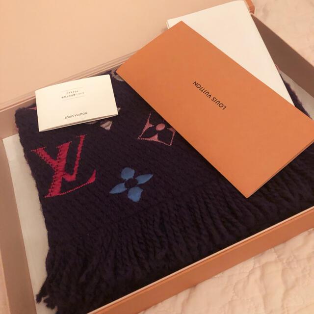 LOUIS VUITTON(ルイヴィトン)のルィヴィトン ロゴマニア マフラー レディースのファッション小物(マフラー/ショール)の商品写真