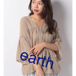 アースミュージックアンドエコロジー(earth music & ecology)の新品 タグ付き アースミュージック&エコロジー ギャザーブラウス(シャツ/ブラウス(長袖/七分))
