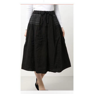 サマンサモスモス(SM2)のTSUHARU by Samansa Mos2 リネン脇スモッキングスカート(ロングスカート)