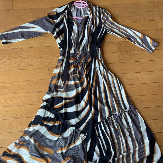 DOUBLE STANDARD CLOTHING(ダブルスタンダードクロージング)のAKKO×Sov.ゼブラ柄ワンピース レディースのワンピース(ロングワンピース/マキシワンピース)の商品写真