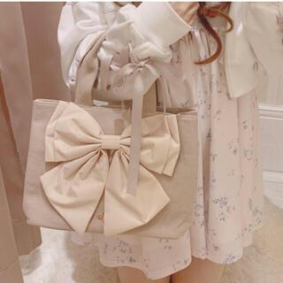 持ってるだけで可愛いリボントートバッグ♡ベージュ♡女の子らしいガーリーコーデに♡(トートバッグ)