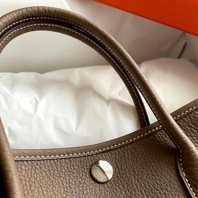 Hermes(エルメス)のエルメス HERMES ガーデンパーティー tpm エトゥープ 新品 レディースのバッグ(ハンドバッグ)の商品写真