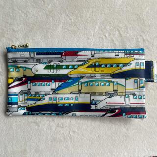 大きめサイズ新幹線柄ラミネート生地のハブラシケースやペンケースになる薄型ポーチ(外出用品)