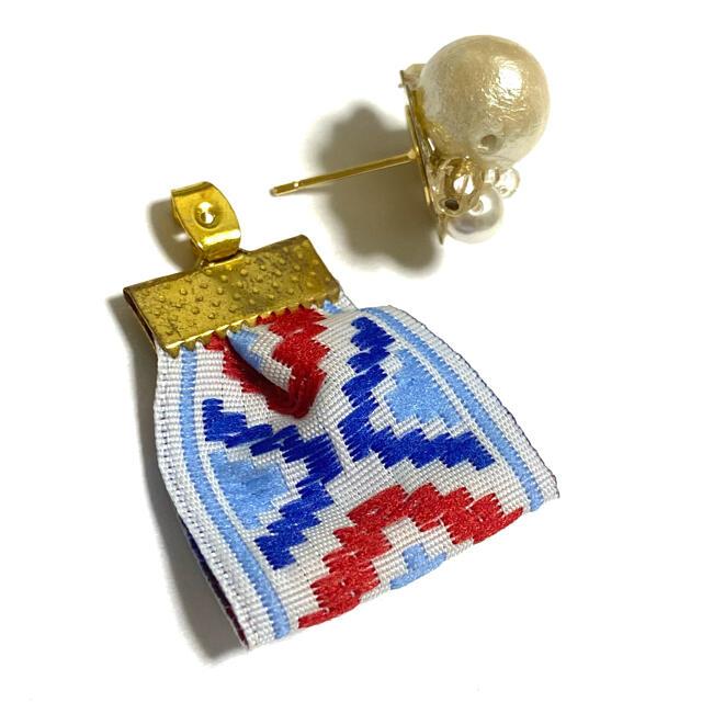 ネイティブ オルテガ リボン パールビジュー ピアス (ブルー) ハンドメイドのアクセサリー(ピアス)の商品写真