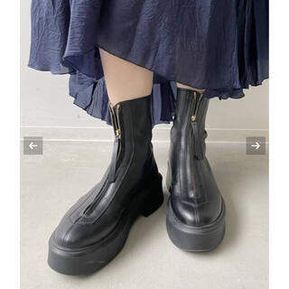 L'Appartement DEUXIEME CLASSE - L'Appartement 【THE ROW/ザ ロウ】ZIPPED BOOT