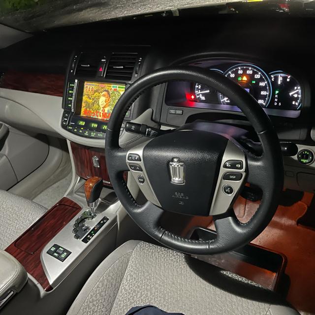 トヨタ(トヨタ)のクラウン 車検1年半  自動車/バイクの自動車(車体)の商品写真