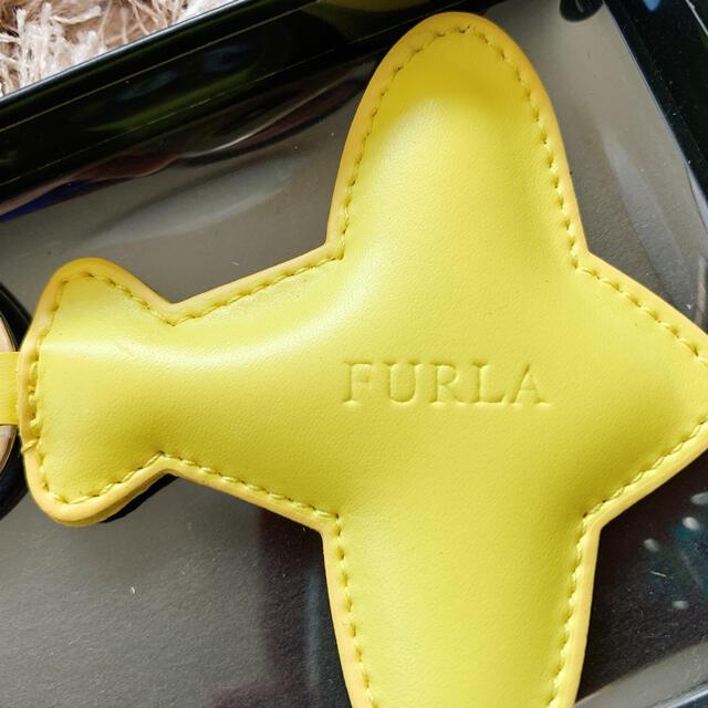 Furla(フルラ)の【新品、未使用品】FURLA フルラ キーホルダー 飛行機 レディースのファッション小物(キーホルダー)の商品写真