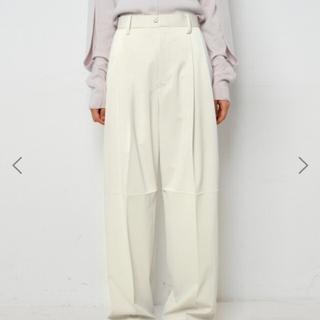 ルシェルブルー(LE CIEL BLEU)のIrene アイレネ パンツ Silky Leather Trousers(カジュアルパンツ)