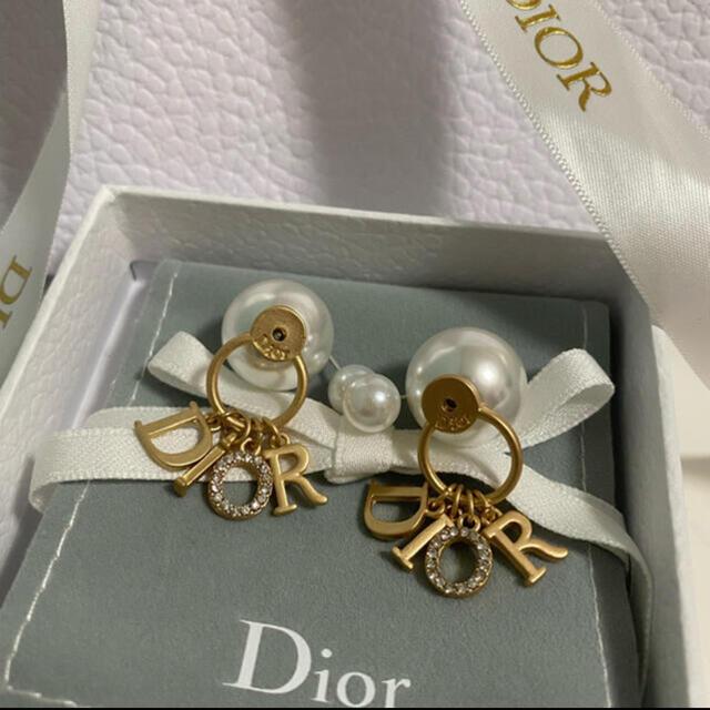 Dior(ディオール)のDior パールピアス 新品 レディースのアクセサリー(ピアス)の商品写真