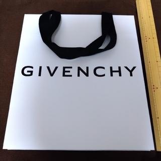 GIVENCHY - ジバンシィ 紙袋