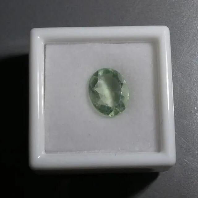 3ct ライトグリーンフローライト 天然石 ルース DIY 素材 3195 ハンドメイドの素材/材料(各種パーツ)の商品写真