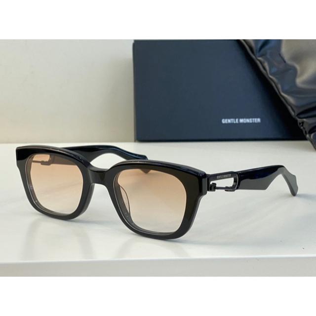 AMBUSH(アンブッシュ)のGENTLE MONSTER AMBUSH Carabiner1 最終値下げ メンズのファッション小物(サングラス/メガネ)の商品写真