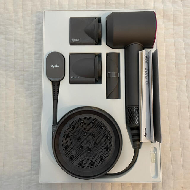 Dyson(ダイソン)のぽこ様専用Dyson Supersonic ヘアードライヤー ジャンク品 スマホ/家電/カメラの美容/健康(ドライヤー)の商品写真