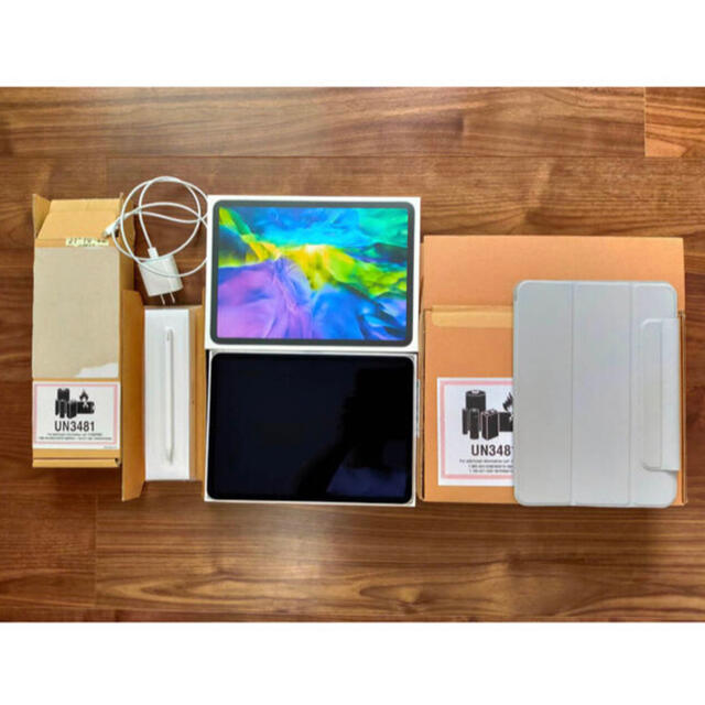 iPad(アイパッド)のiPad pro 11インチ 第二世代 アップルペンシル ケース付き スマホ/家電/カメラのPC/タブレット(タブレット)の商品写真