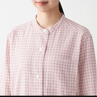 MUJI (無印良品) -  無印良品・脇に縫い目のない二重ガーゼスタンドカラーパジャマS〜Mピンク×チェッ