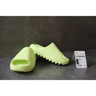 """アディダス(adidas)のadidas YEEZY SLIDE """"GLOW GREEN""""(サンダル)"""