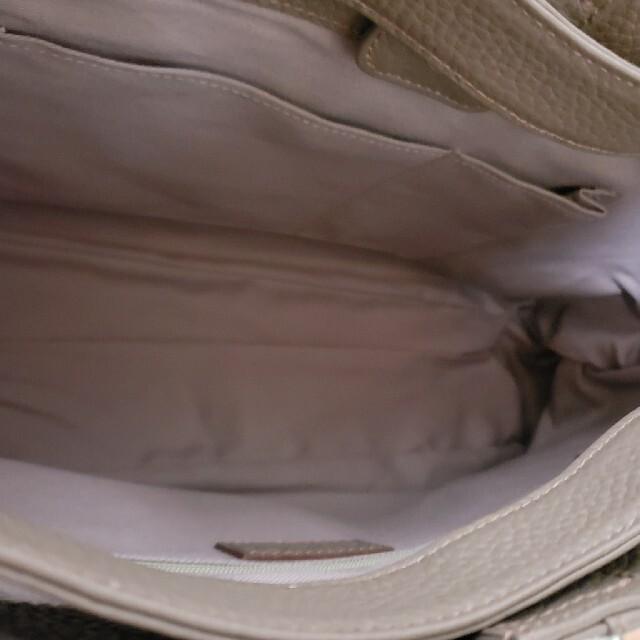 ATAO(アタオ)の超美品★アタオ★エルヴィ★季節限定カラーモカグレー レディースのバッグ(ショルダーバッグ)の商品写真