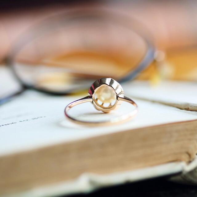 【貴重】K10 米国里帰り品 あこや真珠 菊爪 戦前 ヴィンテージリング レディースのアクセサリー(リング(指輪))の商品写真