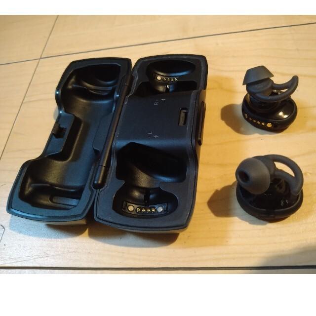 BOSE(ボーズ)の【used】BOSE soundsportfree ワイヤレスイヤホン スマホ/家電/カメラのオーディオ機器(ヘッドフォン/イヤフォン)の商品写真
