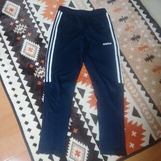 adidas - adidas トレーニングパンツ 紺色✕白色 ジュニア150サイズ