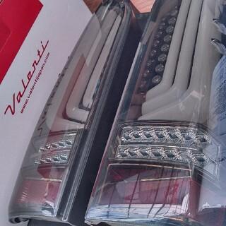 ハイエース 200系 ヴァレンティ テール シーケンシャル LED revo3