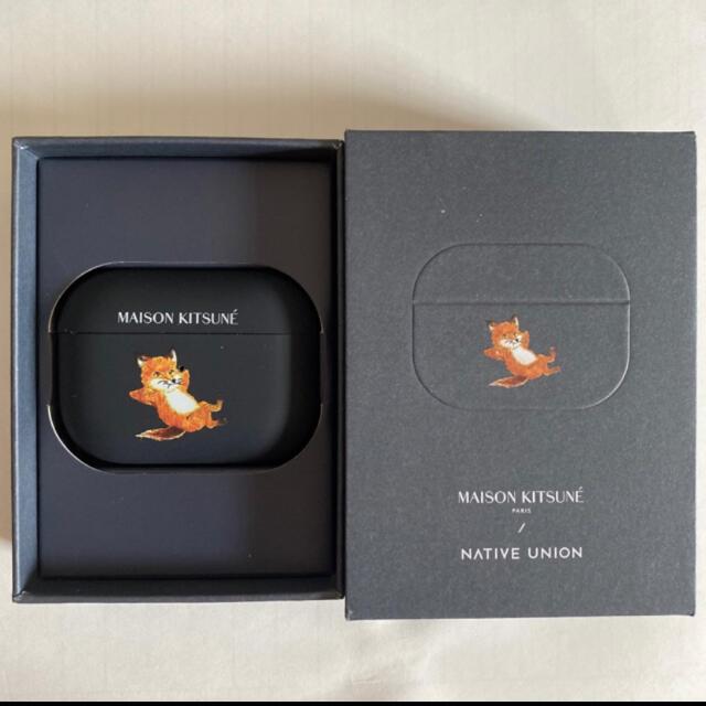 MAISON KITSUNE'(メゾンキツネ)の専用品 メゾンキツネ AirPods Proケース チラックスフォックス スマホ/家電/カメラのスマホアクセサリー(モバイルケース/カバー)の商品写真