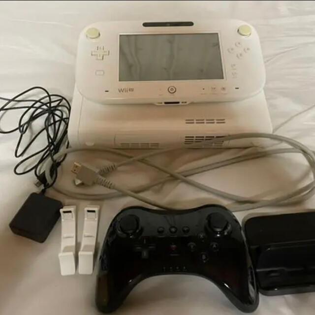 Wii U(ウィーユー)のwiiU本体とゼルダの伝説BOW エンタメ/ホビーのゲームソフト/ゲーム機本体(家庭用ゲーム機本体)の商品写真