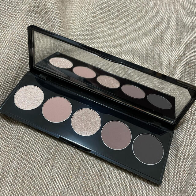BOBBI BROWN(ボビイブラウン)のBOBBI BROWN コスメ/美容のベースメイク/化粧品(アイシャドウ)の商品写真