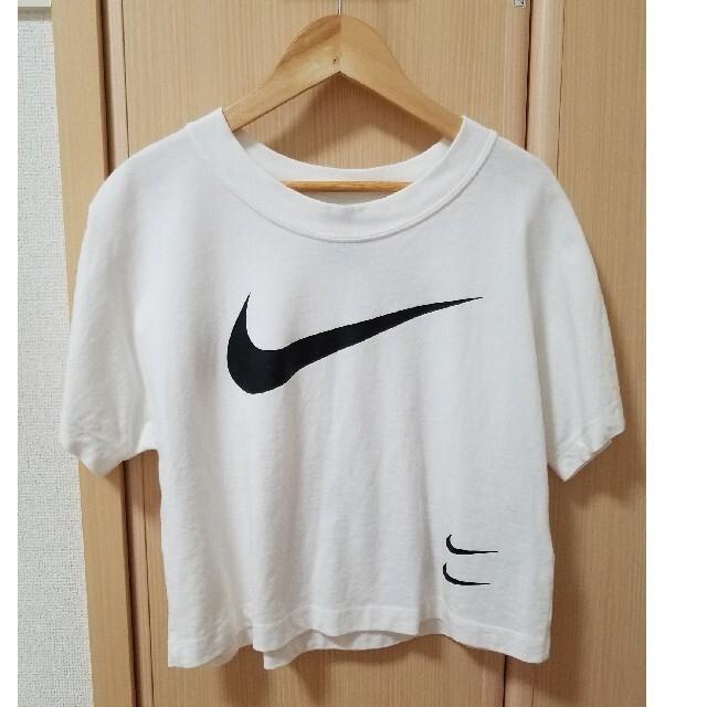 NIKE(ナイキ)のNIKE ☆ショート丈Tシャツ☆ 値下げ不可 レディースのトップス(Tシャツ(半袖/袖なし))の商品写真