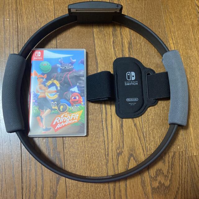 Nintendo Switch(ニンテンドースイッチ)のリングフィットアドベンチャー 箱なし エンタメ/ホビーのゲームソフト/ゲーム機本体(家庭用ゲームソフト)の商品写真