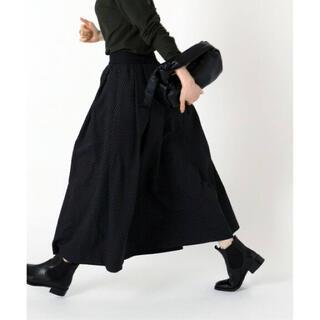 イエナ(IENA)のIENA DOTジャガードタックスカート ブラック 40(ロングスカート)