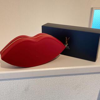 イヴサンローランボーテ(Yves Saint Laurent Beaute)のイヴ・サンローラン❤️ノベルティー/KISSポーチ/ブラシ  (ポーチ)