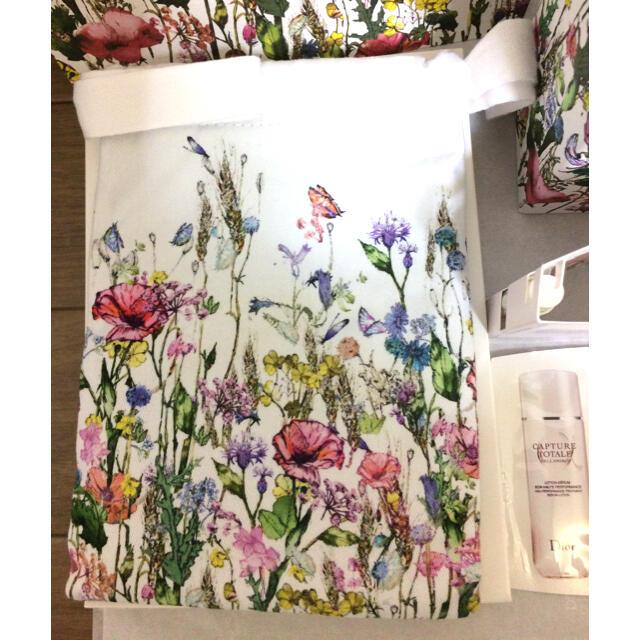 Dior(ディオール)のミスディオール 花柄 巾着ポーチ ローズ&ローズのミニ香水のプレゼント付 レディースのファッション小物(ポーチ)の商品写真