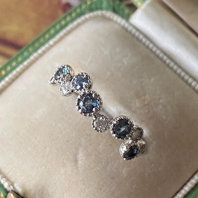 天然アレキサンドライト 天然ダイヤモンド プラチナリング ソーティング付き レディースのアクセサリー(リング(指輪))の商品写真