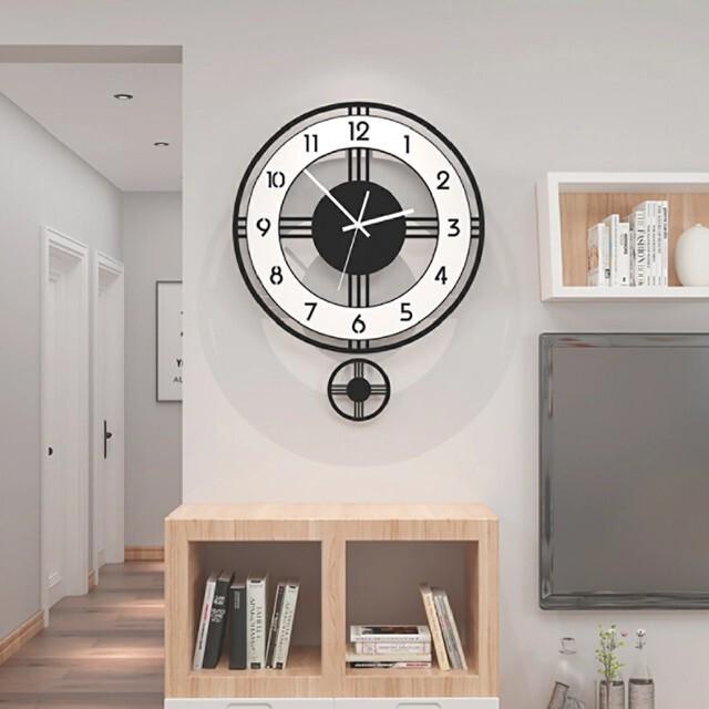 壁掛け時計 振り子 時計 インテリア/住まい/日用品のインテリア小物(掛時計/柱時計)の商品写真