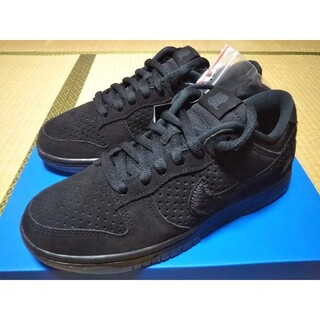 NIKE DUNK LOW SP UNDEFEATED 5 ON IT 25.5
