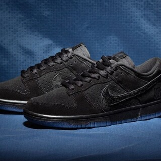 UNDEFEATED × NIKE DUNK LOW SP BLACK