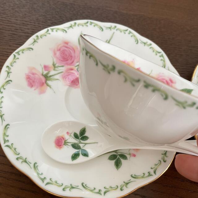 NIKKO(ニッコー)のティーカップ 薔薇 インテリア/住まい/日用品のキッチン/食器(食器)の商品写真