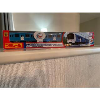 タカラトミー(Takara Tomy)のプラレールSC-03 西武鉄道DORAEMON-GO!(ドラえもんごう)電池入り(鉄道模型)