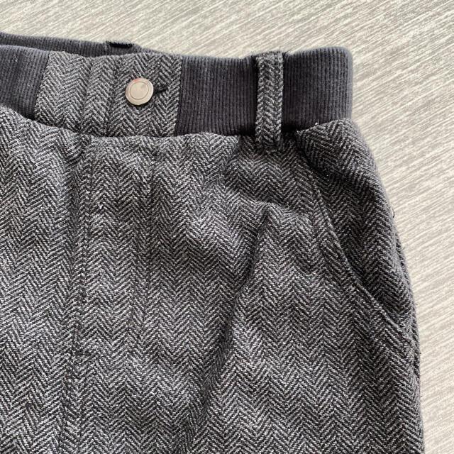 (値下げ)キッズパンツ GU  (ダークグレー) 130㎝ キッズ/ベビー/マタニティのキッズ服男の子用(90cm~)(パンツ/スパッツ)の商品写真
