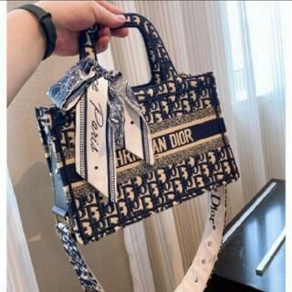 Dior - 9色美品ディオールDiorトートバッグ