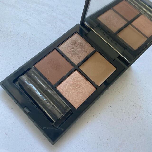 THREE(スリー)のTHREE スリー ディメンショナルビジョンアイパレット アイシャドウ コスメ/美容のベースメイク/化粧品(アイシャドウ)の商品写真
