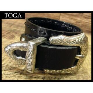 トーガ(TOGA)の★ トーガ プルラ 装飾 シルバー 金具 レザー ベルト ブレスレット 黒(ブレスレット)