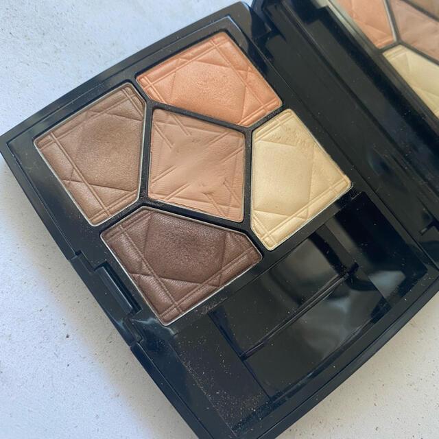 Dior(ディオール)のDior サンククルール アイシャドウ 647 コスメ/美容のベースメイク/化粧品(アイシャドウ)の商品写真
