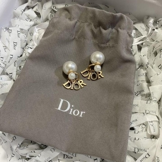 Dior - ディオール パールピアス